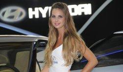 Motorshow 2012: Anfitrionas de Hyundai se roban más de una mirada